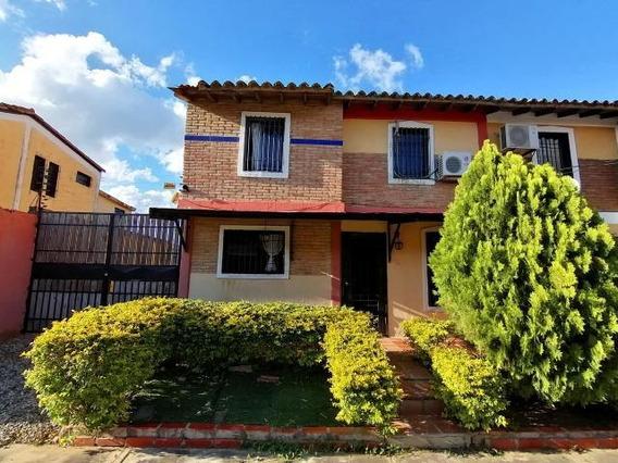 Casa En Venta Centro Cabudare 20-2694vc 04145561293