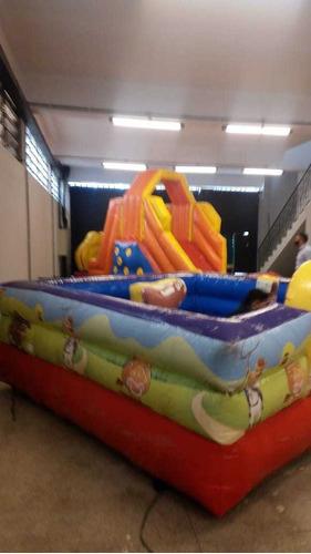 Imagem 1 de 5 de Locação De Mesas,cadeiras E Brinquedos  Para Festas E Evento