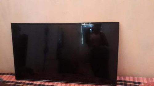 Imagem 1 de 1 de Smart Tv Tcl 43 Polegadas Display Quebrado Sai Som