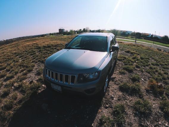 Jeep Compass Latitude 4x2 L4 Imp Automática 5 Abs