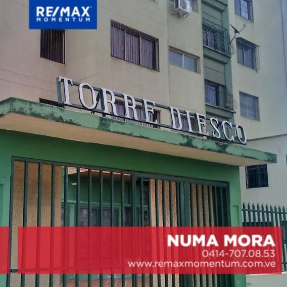 Gran Oportunidad En La Ferrero Tamayo. Apartamento Amplio
