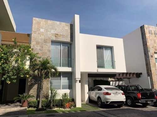 Residencia En Exclusivo Coto Por Av. Americas/patria, Zap.
