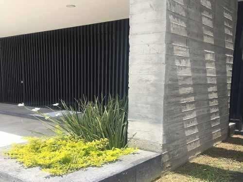 Casa Moderna Y Nueva En Coto En Zapopan Con Cuarto Servicio