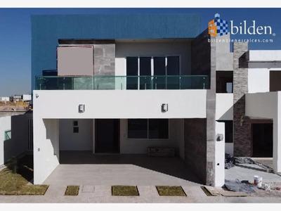 Casa Sola En Venta Fracc. Los Nogales Residencial En Durango