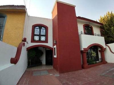 Casa En Renta En Colinas Del Cimatario, 3 Tecamaras, T. 250 M2, C. 300 M2