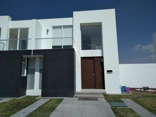 Casa En Venta En Zakia, El Marques, Rah-mx-20-626