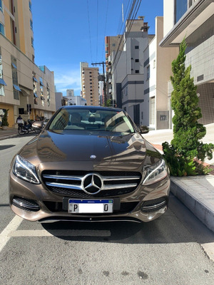 Impecável Mercedes C180 Exclusiva