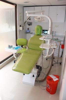 Consultorio Odontológico Con Dos Unidades, Baño Y Recepción