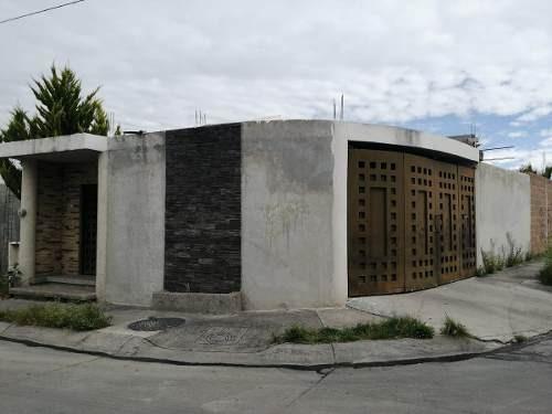 Casa En Venta En Esquina Urbivilla Del Roble Zona Nort