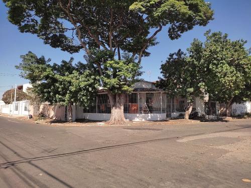 Imagem 1 de 6 de Casa À Venda, 4 Quartos, 5 Vagas, Vila Bertini - Americana/sp - 22467
