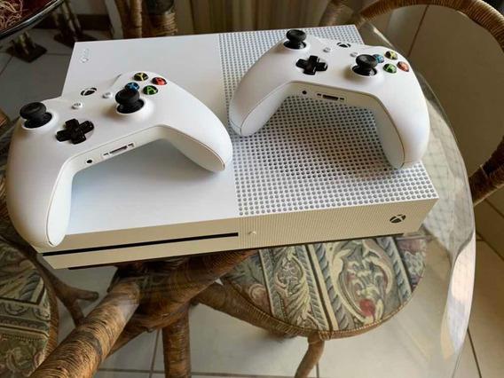 Xbox One S 1tb Dois Controles + Dois Jogos