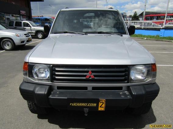 Mitsubishi Montero V11