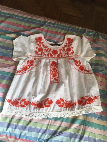 Preciosa Blusa Mujer Rapsodia, Blanca Con Bordados Rojos.