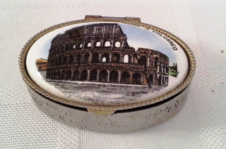 Pastillero Italiano Coliseo De Roma Usado