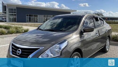 Nissan Versa Extra Full M/t 1.6 2015