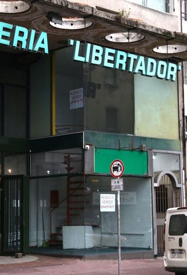 Local Comercial En Pleno Centro A La Venta