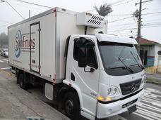 Caminhão Frigorifico Baú Refrigerado Acello 815 2014