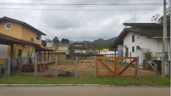 Terreno No Condomínio Park Hills, Ubatuba Com Segurança 24h.