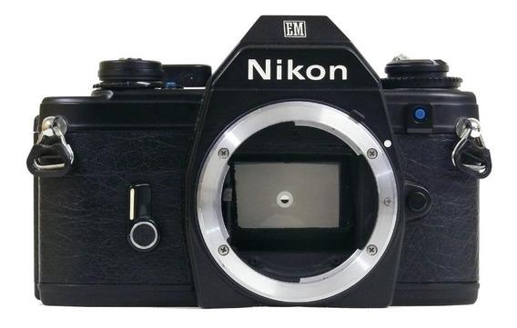 Câmera Analógica Nikon Em (corpo)