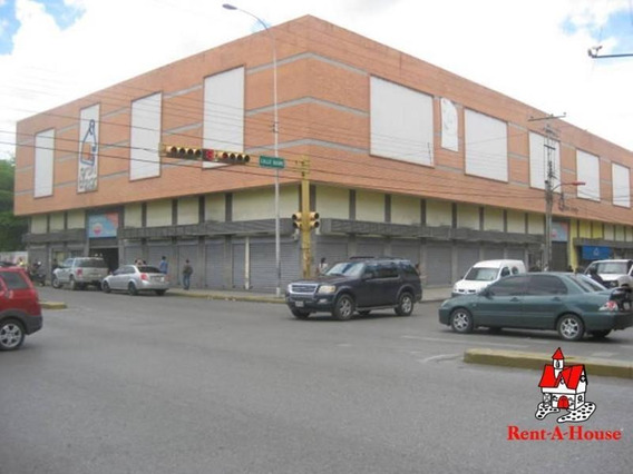 Local Comercial En Venta Gran Bazar Centro Maracay 19-18557