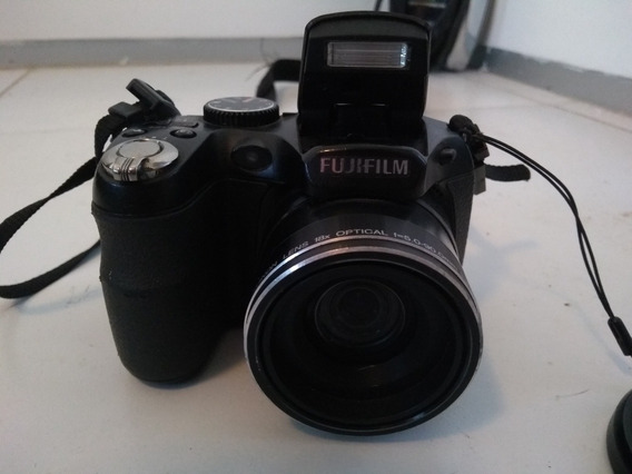 Camera Digital Semi Profissional Fugifilm S2950
