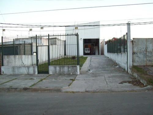 Deposito En Sayago Próximo Avenida Eugenio Garzón Y Propios