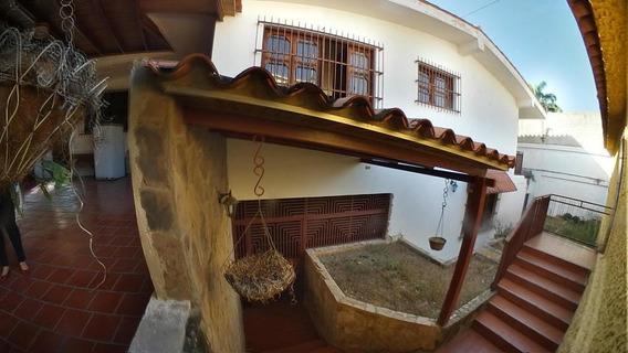 Casa En Venta Este De Barquisimeto 20-10776 As