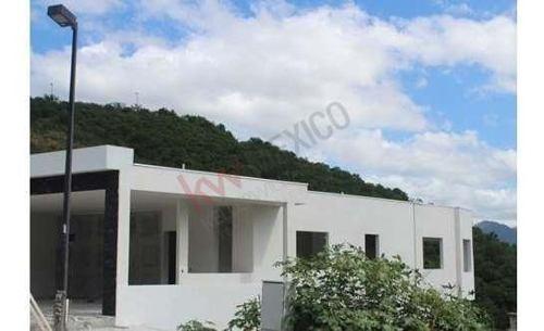 Excelente Residencia En Fraccionamiento San Michelle ( Camino Al Diente ) ,con Opción A Que Usted Escoja Los Acabados