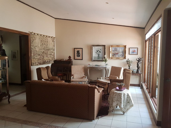 Se Alquila Amplia Casa Con Apartamento Pinares, Curridabat