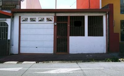 Casa De 3 Habitaciones Con Cochera 2 Vehiculos Portón Elect.