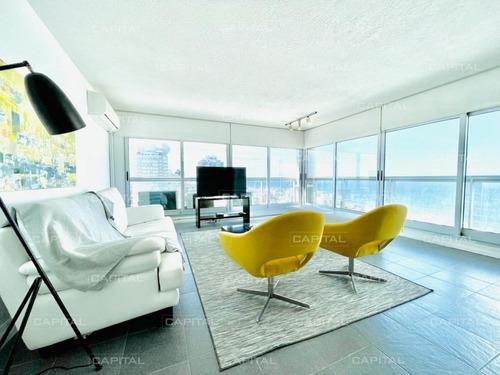 Gran Apartamento De Dos Dormitorios Con Vista - Punta Del Este- Ref: 31064