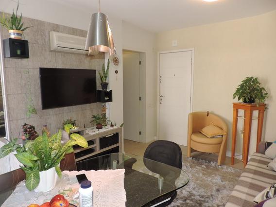 Apartamento No Bairro Centro Em Florianópolis - Cace583