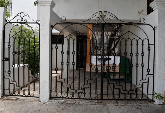 Casa En Venta En Cancún Excelente Ubicación Sm.50 Cancun C2720