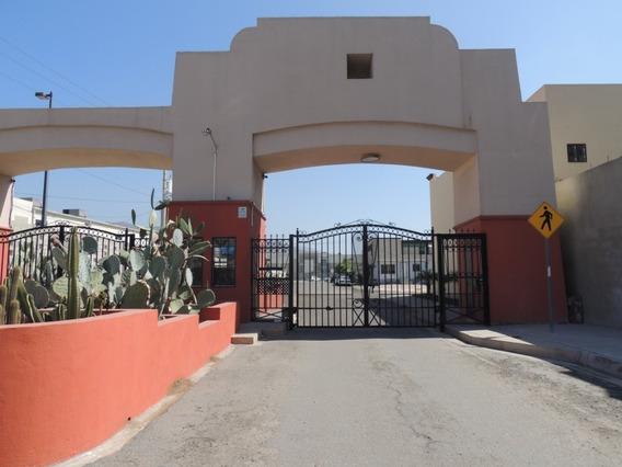 Casa En Venta En Valle Del Alamar