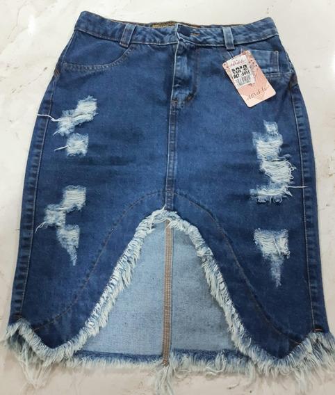 Saia Jeans Com Corte Despojado E Rasgada