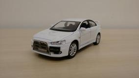 Miniatura Mitsubishi Lancer Evolution X Branca