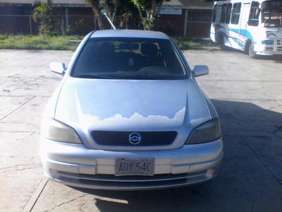Astra Confort Año 2002 Motor 1.8 Automático