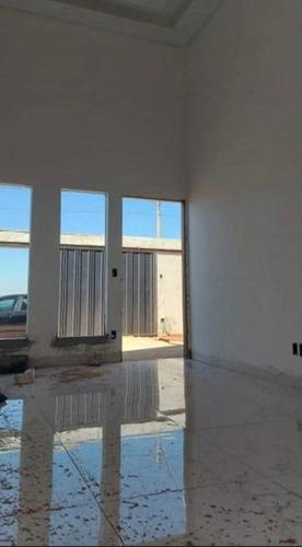 Imagem 1 de 6 de Casa Térrea Com 3 Quartos - 337-v