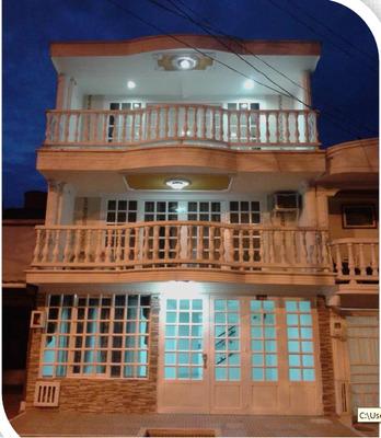 Casas En Venta Los Rosales 736-41