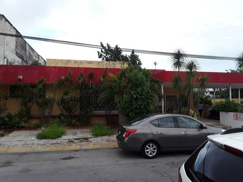 Hermosa Casa En Esquina Del Fraccionamiento Montejo