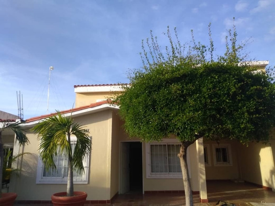 Casa Alquiler Caminos Del Doral Maracaibo Api4621