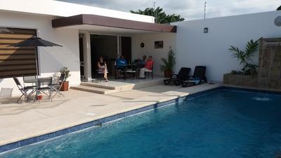 Casa De Alquiler En Tonsupa ,playa Almendro