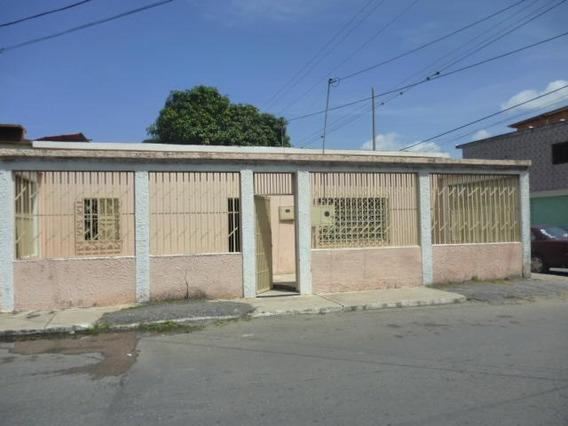 Venta De Casa En Centro, Lara