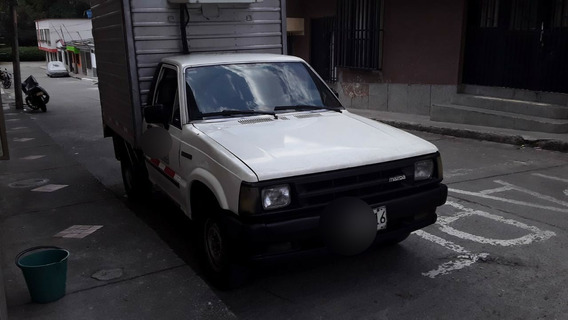 Mazda B2000 Furgón (con Trabajo)