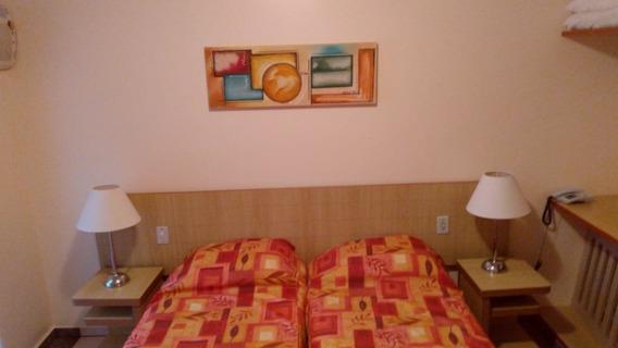 Apartamento Esplanada / Rio Quente / Di Roma