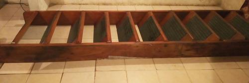 Escalera Caoba Roja