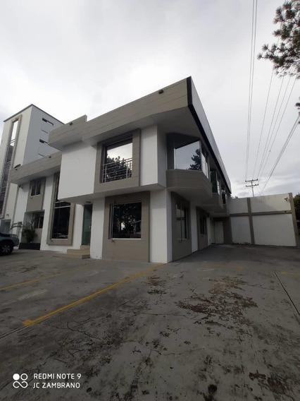 Centro Empresarial En La Av. Ferrero Tamayo