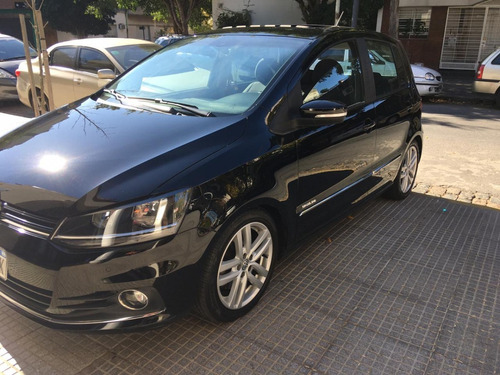 Volkswagen Fox Highline 1.6 16v Manual 5ptas 2017 45k Negro