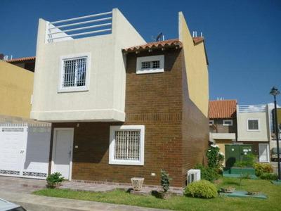 Dvm 19-11055 Se Vende Bello Townhouse En Cagua. (corinsa)