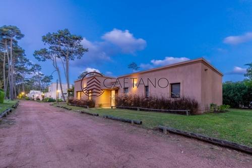 Financia Hermosa Casa En Barrio Privado - Ref: 393